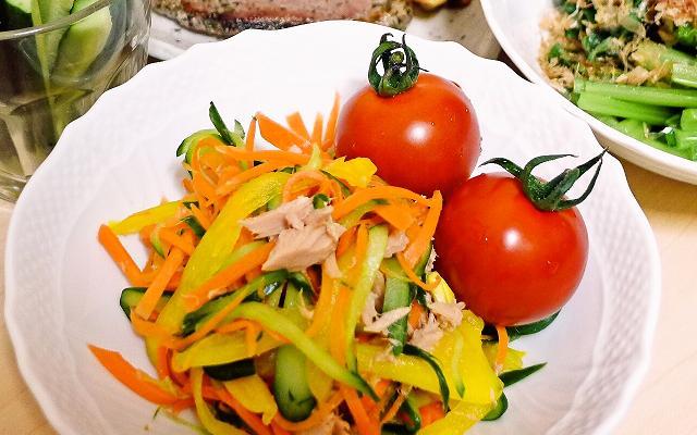 v120624-salad.jpg