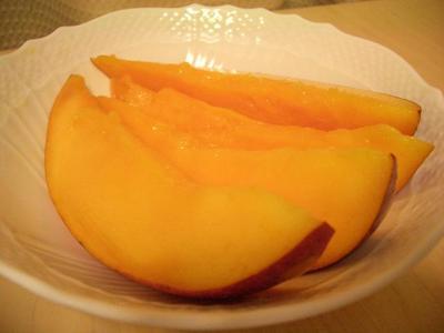 v110903-fruits1.JPG